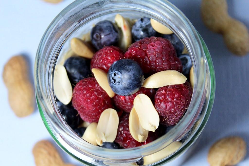 Rezept Overnight Oats mit Erdnussbutter und Heidelbeeren