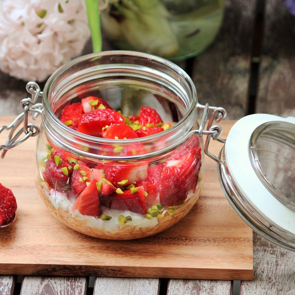 Overnight Oats mit Blutorange Erdbeere