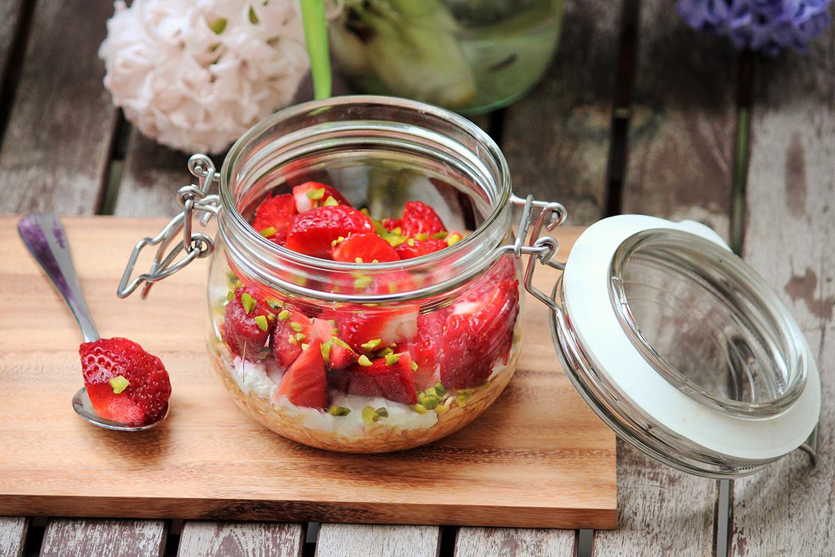 overnight-Oats-Blutorange-Erdbeeren