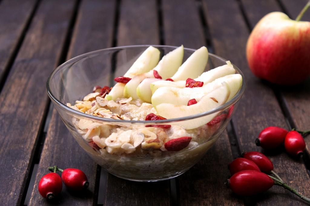 Porridge Haselnuss Apfel Goji