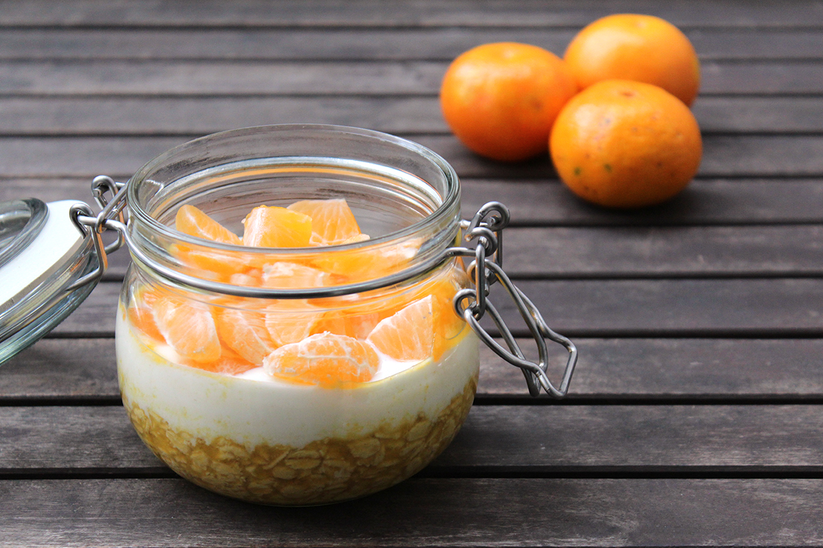 Overnight-oats-mandarinensaft-joghurt-mandarine