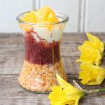 Oats mit Blutorangen-Chiapudding und Joghurt