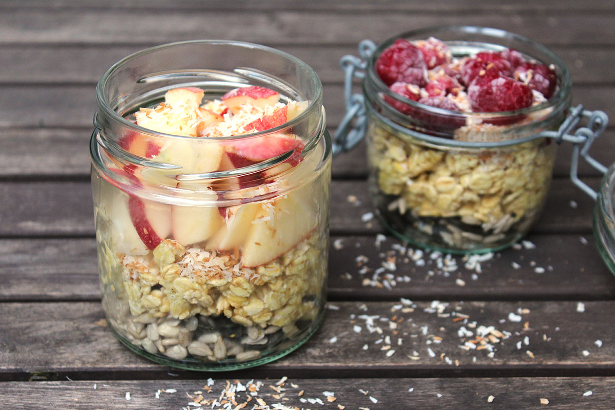 Overnight_Oats_Green_Kitchen_Stories_Himbeere_Apfel