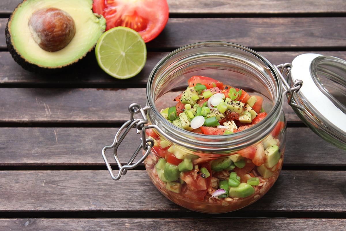 Overnight_Oats_Mittagessen_Tomaten_Avocado_Salsa