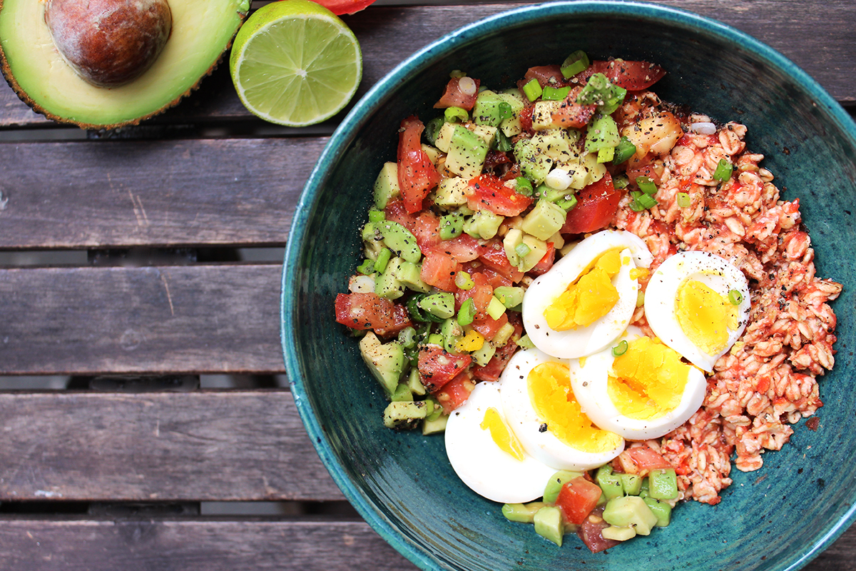 Overnight_Oats_Mittagessen_Tomaten_Avocado_Salsa_Ei