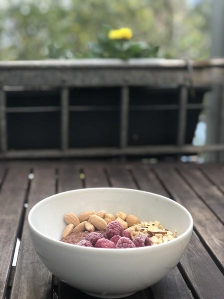 Porridge_Schokolade_Himbeere_Haselnuss